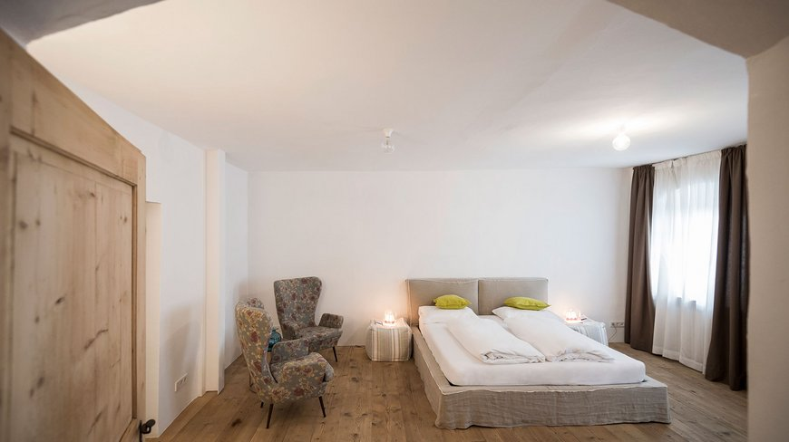 Boutique apartments gius la residenza for Design hotel kaltern